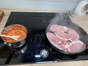 induction-hob-bacon-and-beans-cooking