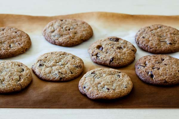 chocolate-chip-cookies-on-baking-tray
