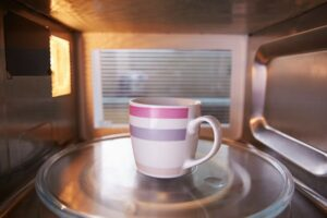 coffee-grounds-in-microwave-to-remove-smells