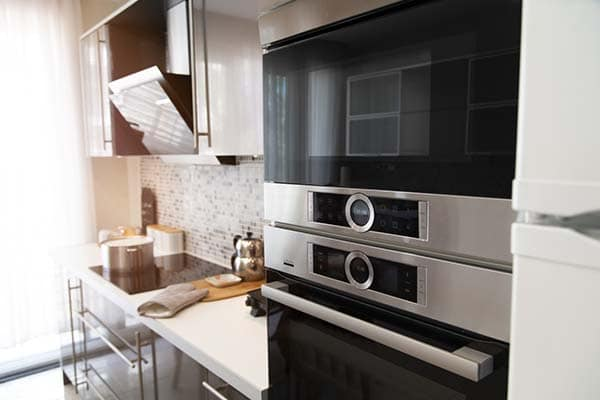 double-electric-oven-in-a-modern-kitchen