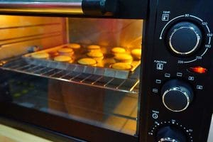 cup-cakes-in-mini-oven